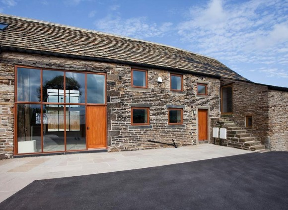 The Barn holiday cottage sleeps 8.